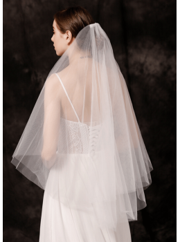 Leah Veil | Simple Classic French Tulle Fingertip 1.5 Meters Ivory Bridal Veil