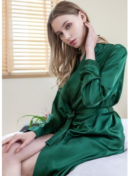 Iris Luxe Silk Robe (Emerald Green)