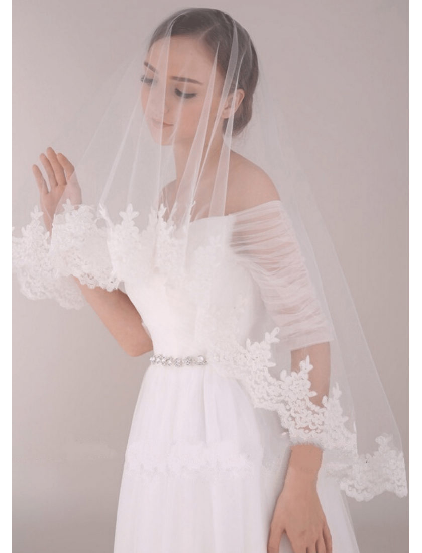 Penelope Veil | Mantilla Veil with Chantilly Lace Elbow Length 1.5 Meters Ivory Bridal Veil